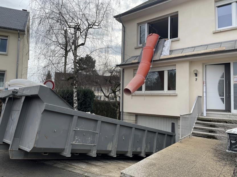 Démolition - curage de bâtiment : évacuation des débris d'un chantier