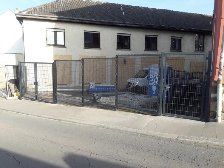 Installation Portails - clôtures : clôture avec portails