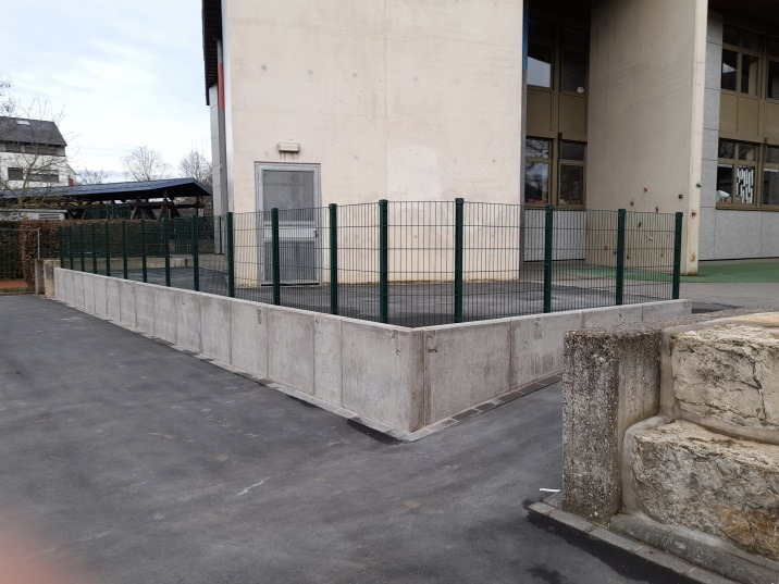 Installation Portails - clôtures : barrière de protection